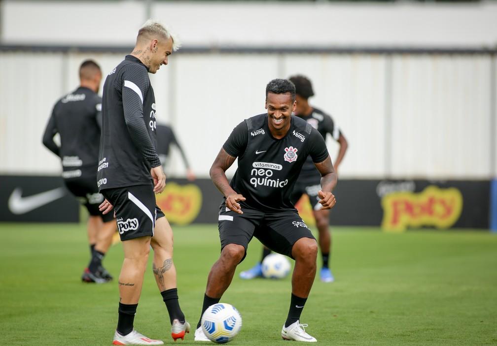 Róger Guedes e Jô em treino do Corinthians — Foto: Rodrigo Coca/Ag. Corinthians