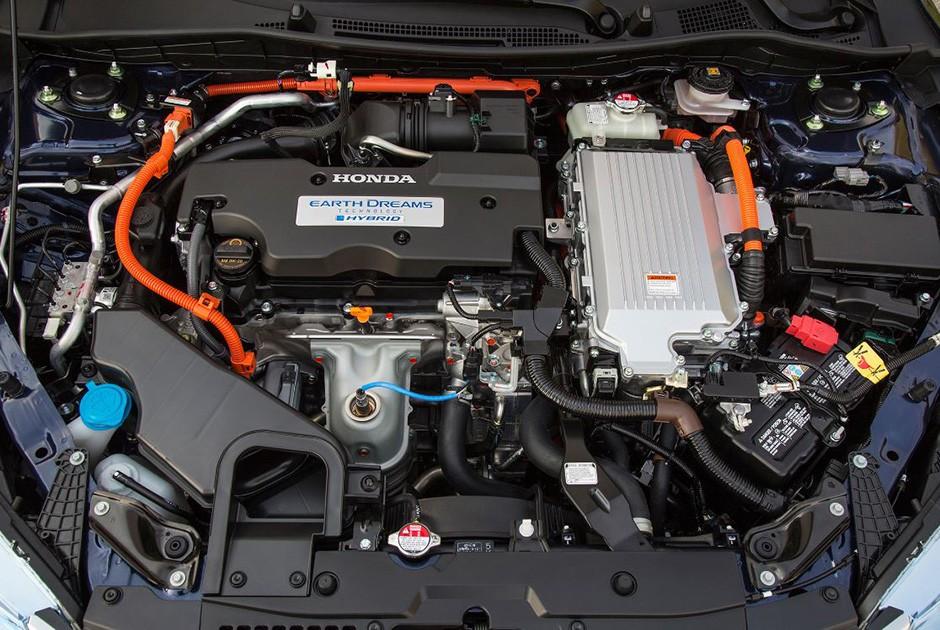 Motor a combustão e elétrico instalados lado a lado (Foto: Divulgação/Honda)