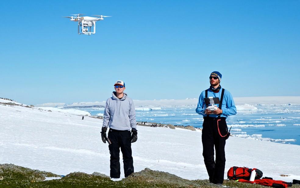 Drones foram usados em pesquisa no gelo (Foto: C.Youngflesh/SBU)