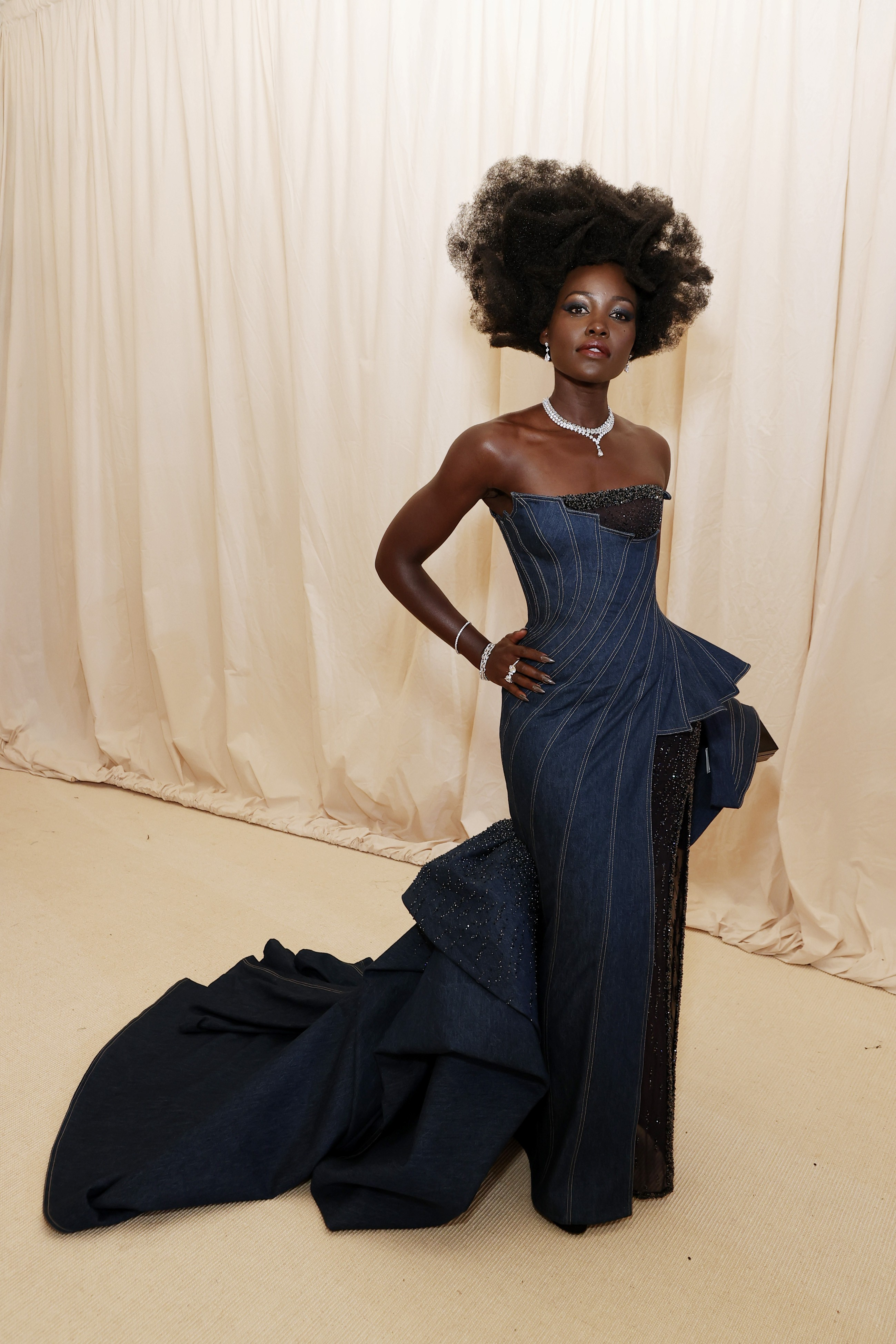 NEW YORK, NEW YORK - SEPTEMBER 13: Lupita Nyong'o attends The 2021 Met Gala Celebrating In America: A Lexicon Of Fashion at Metropolitan Museum of Art on September 13, 2021 in New York City. (Photo by Arturo Holmes/MG21/Getty Images) (Foto: Getty Images)
