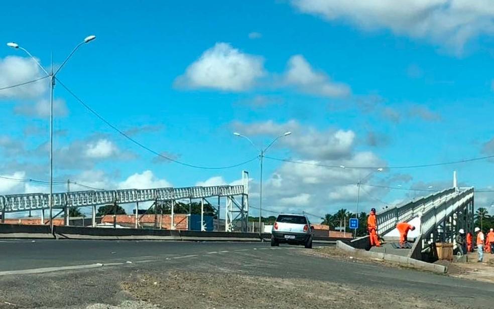 ViaBahia realiza instalação de passarelas em diversas rodovias da Bahia (Foto: Divulgação)