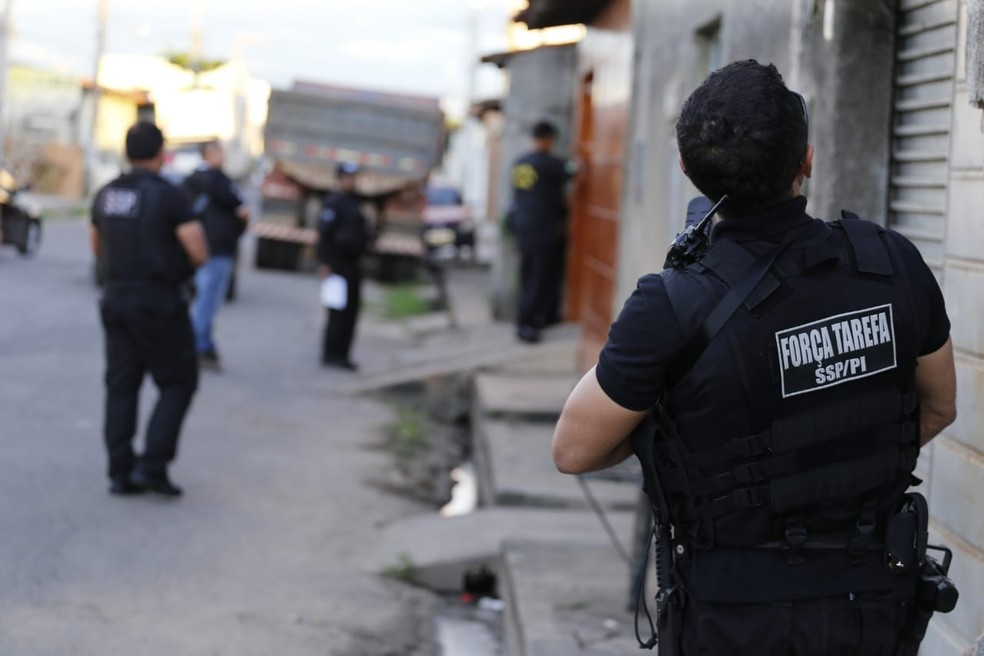 Policiais Civis do Piauí cumpriram mandados de prisão pela Operação Impacto.  — Foto: Divulgação/Polícia Civil