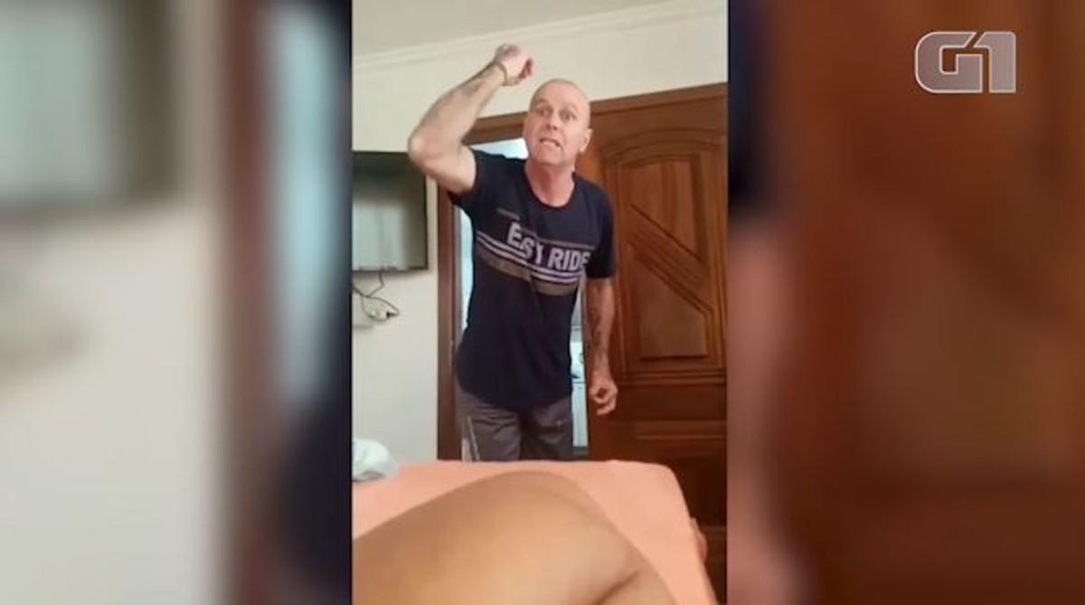 Policial militar que fez ataques racistas em vídeo agrediu mulher que gravou imagens, diz delegado