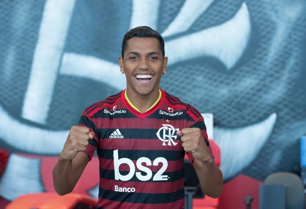 Pedro Rocha vibra na chegada ao Rubro-Negro — Foto: Alexandre Vidal/Flamengo
