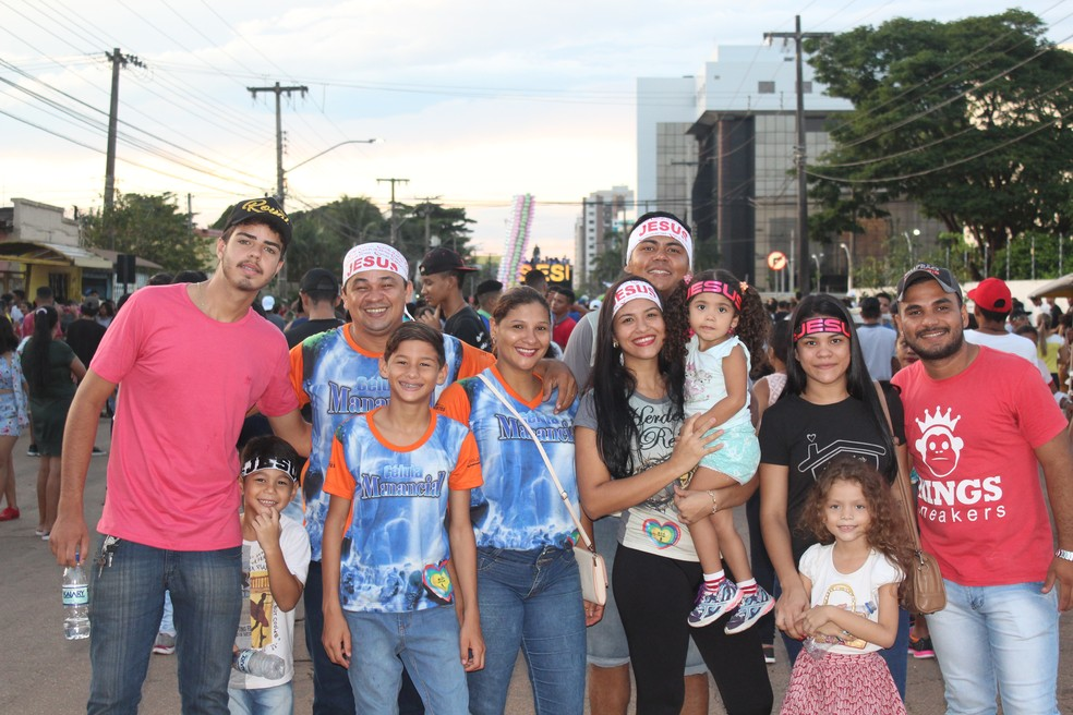 Famílias marcaram presença na Marcha Para Jesus em Porto Velho (Foto: Pedro Bentes/ G1)