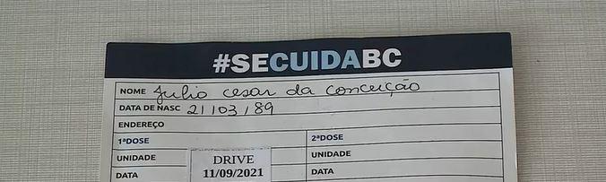Morador de SC recebe vacina contra Covid após confusão no registro do SUS por homônimo; 'Estou felizão!', diz