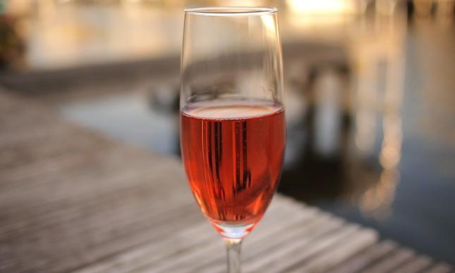 Cliché produz vinhos rosé em parceria com pequenas vinícolas