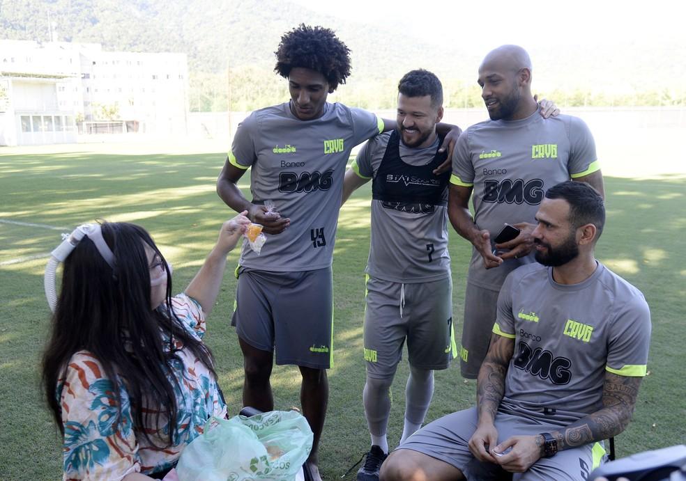 Melissa entrega suspiros para Talles, Rossi, Fellipe Bastos e Castan — Foto: André Durão
