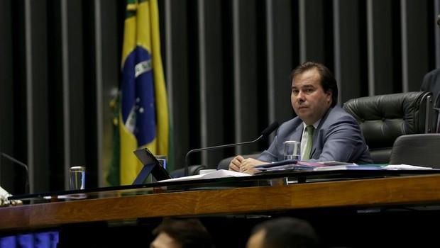 O presidente da Câmara, deputado Rodrigo Maia (DEM-RJ), durante sessão que discutiu MP de incentivo à indústria petrolífera (Foto: Wilson Dias/Agência Brasil)