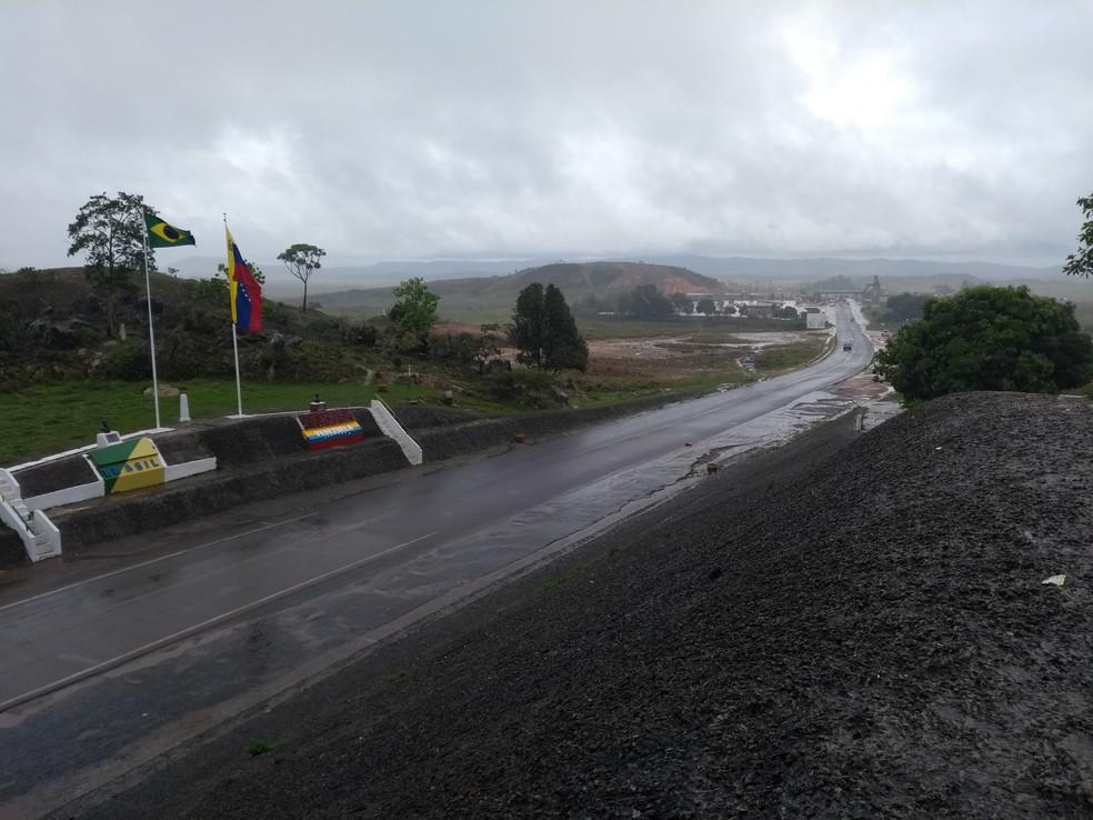 Fronteira da Venezuela foi reaberta na tarde desta sexta-feira (10) após decisão de Nicolás Maduro — Foto: Jackson Félix/G1 RR
