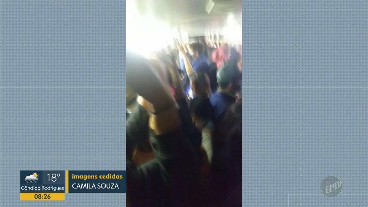 Funcionários de shopping de Campinas enfrentam ônibus cheio na volta do trabalho