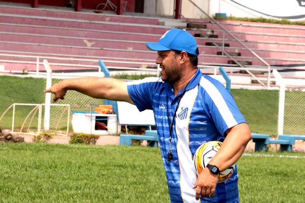 Gianni Freitas é conhecido do futebol local — Foto: Divulgação/ Site oficial