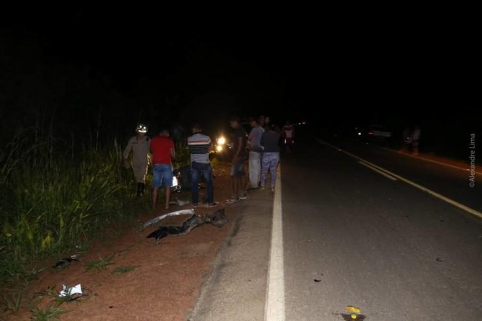 Acidente ocorreu na noite de quarta-feira (9), no quilômetro 10 da BR-317, no município de Brasileia (Foto: Alexandre Lima/Arquivo pessoal)