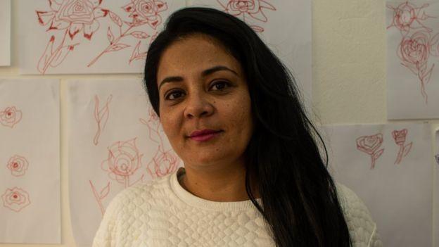 A artesã Tânia Rodrigues está presa há três anos, condenada por tráfico de drogas  (Foto: BBC)