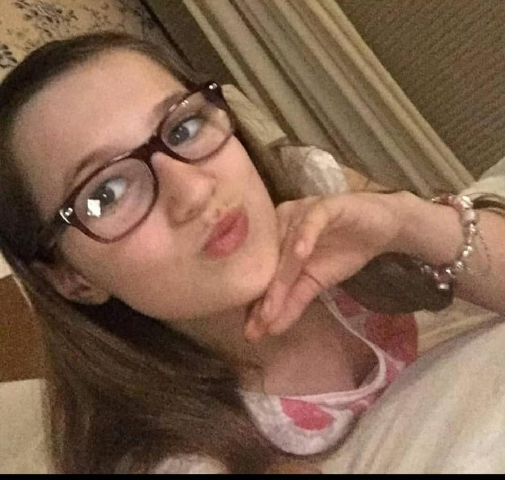 Isabele Guimarães Ramos, de 14 anos, que morreu no domingo (12) em Cuiabá ao ser atingida por um tiro acidental na cabeça, feito por uma amiga — Foto: Instagram/Reprodução