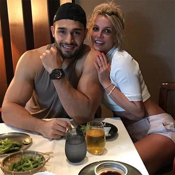 Sam Asghari e Britney Spears (Foto: Instagram)