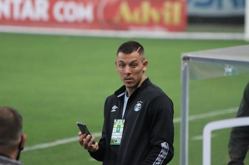 Churín esteve na Arena para acompanhar Grêmio 1 x 0 Juventude — Foto: Eduardo Moura / ge