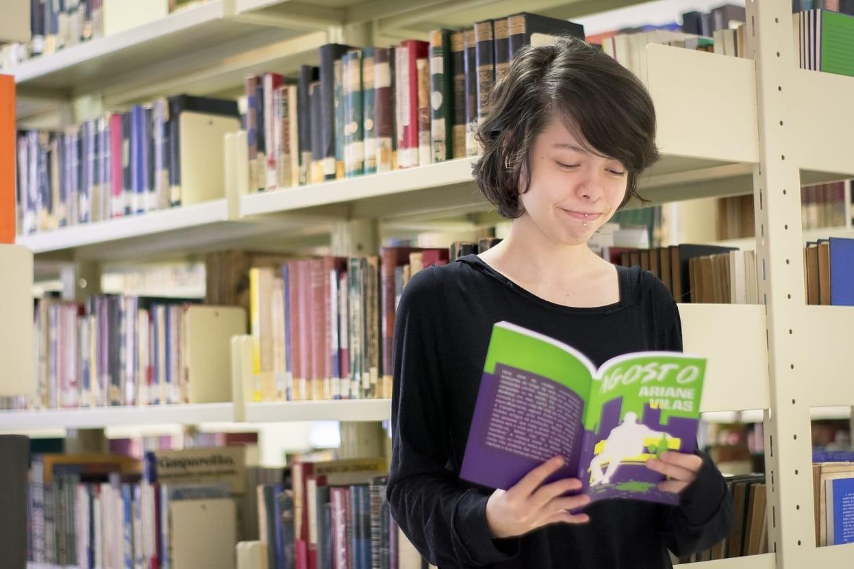 Jovens autoras do RJ contam o que a escrita representa em suas vidas
