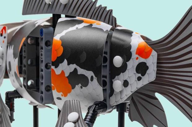 Os modelos podem reproduzir movimentos de natação graças a um mecanismo de manivela embutido (Foto: divulgação)