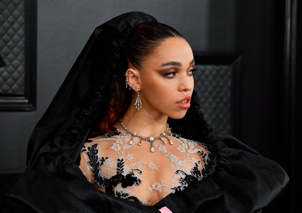 LOS ANGELES, CALIFORNIA - JANUARY 26: FKA Twigs attends the 62nd Annual GRAMMY Awards at STAPLES Center on January 26, 2020 in Los Angeles, California. (Photo by Frazer Harrison/Getty Images for The Recording Academy) (Foto: Getty Images for The Recording A)
