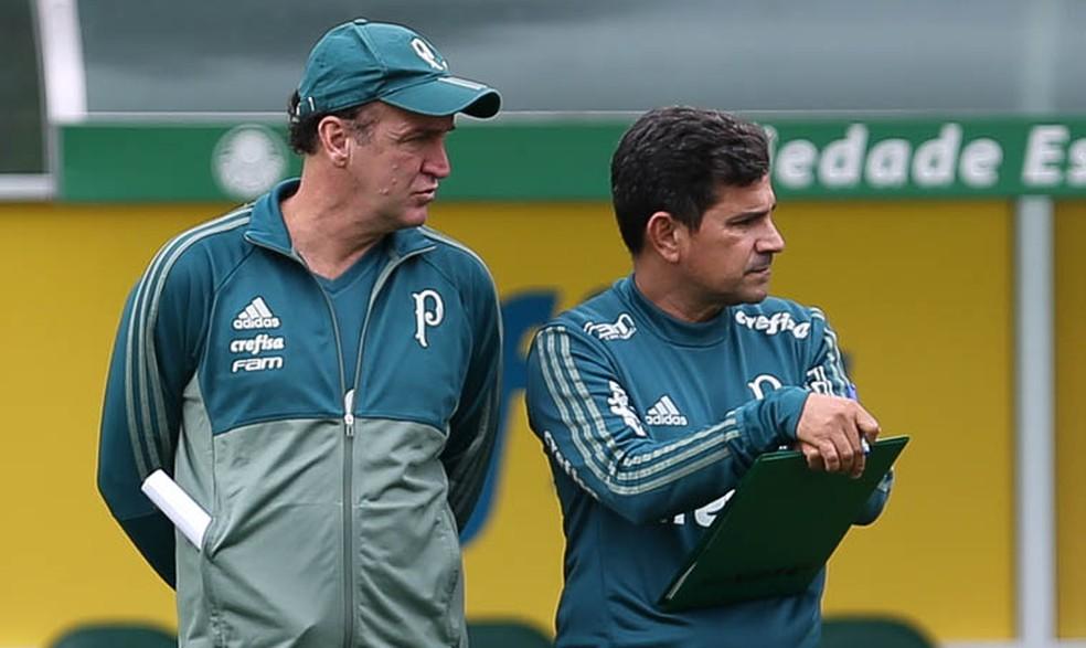 Cuca ao lado do auxiliar Eudes Pedro durante treinamento na Academia (Foto: Cesar Greco / Ag. Palmeiras)