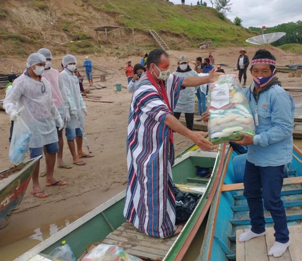Famílias de quatro comunidades indígenas foram beneficiadas com as doações  — Foto: Associação Apiwtxa