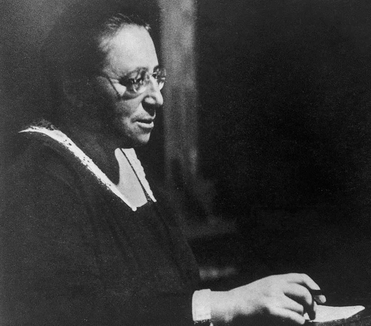 Quem é a mulher que Einstein classificou como 'gênia' e cujo teorema revolucionou a Física