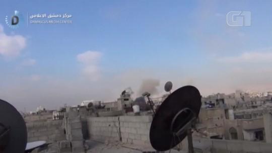 Sírios  dizem 'esperar para morrer' em redulto de rebeldes