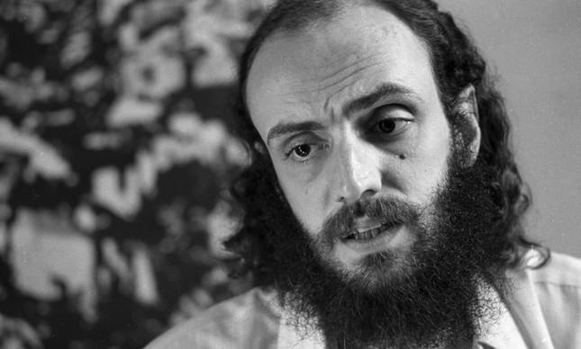 O letrista Aldir Blanc, em imagem de 1976
