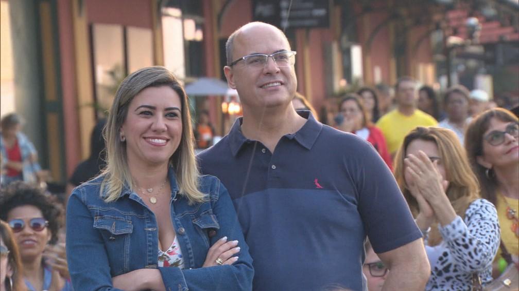 Governador Wilson Witzel (PSC) e a mulher, Helena Witzel, são investigados por corrupção em contratos do governo do estado — Foto: Reprodução/TV Globo