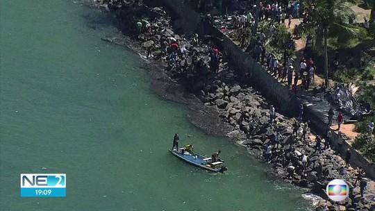 Dezesseis praias de Pernambuco atingidas pelo óleo estão liberadas para o banho, diz governo