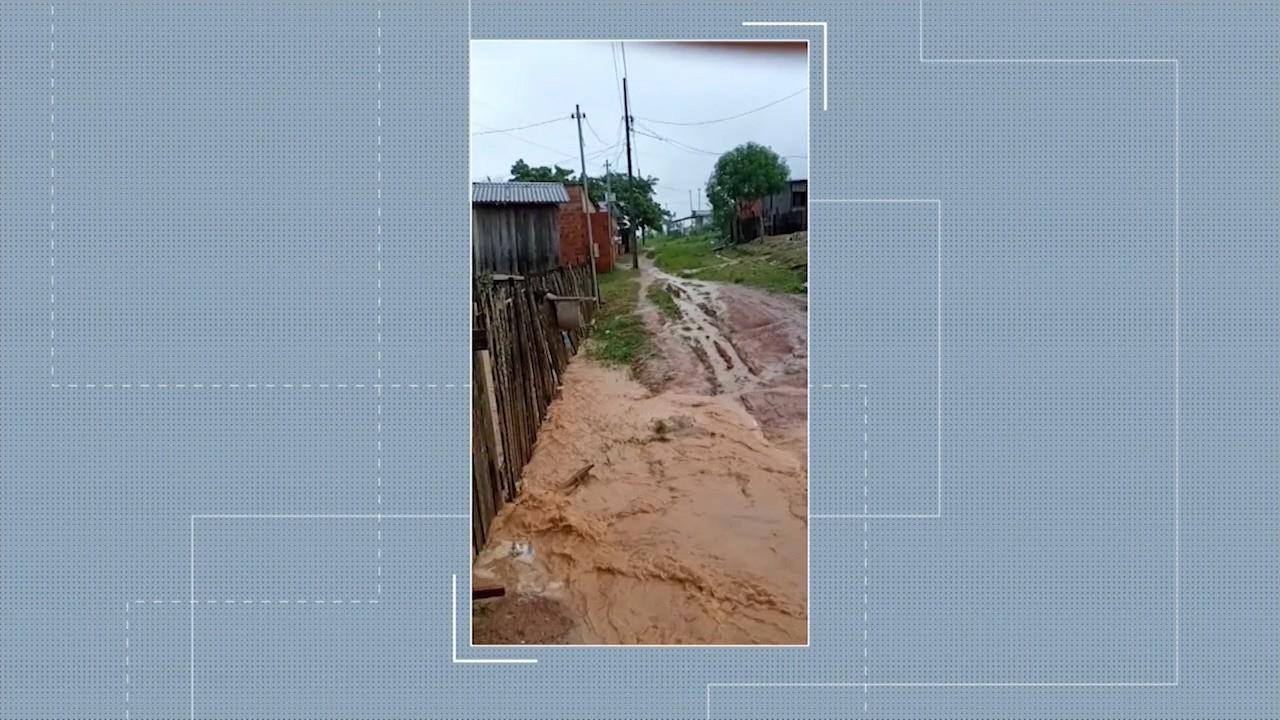 #meajudajac1: moradores mostram situação das ruas quando chove no bairro Montanhês