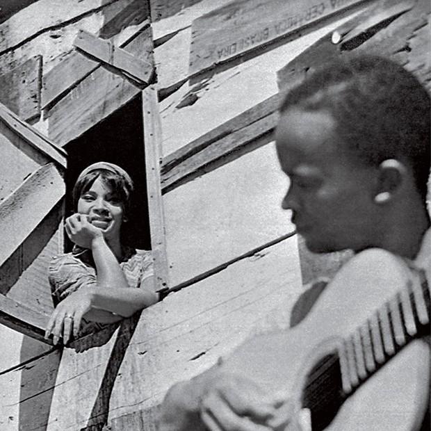 Cultura Elza - Em reportagem do Cruzeiro (1967) (Foto: Divulgalção)
