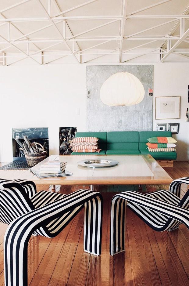 Décor do dia: Listras na sala de estar vintage (Foto: Divulgação)