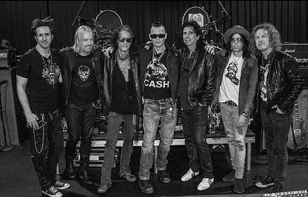 Johnny Depp e a banda Hollywood Vampires (Foto: Instagram (Kyler Clark))