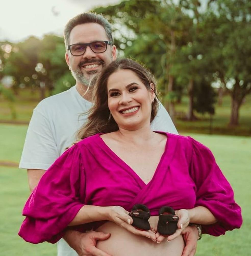 Deputado Alan Rick e a esposa Michele Miranda que teve alta dia 26 — Foto: Arquivo pessoal