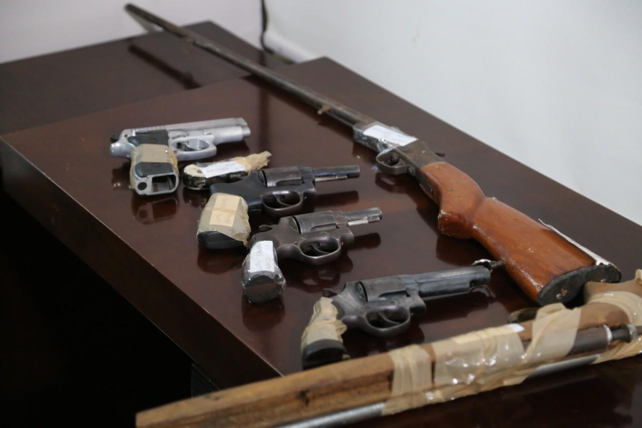 Três mil armas anexadas a processos judiciais são entregues ao Exército para destruição em MT