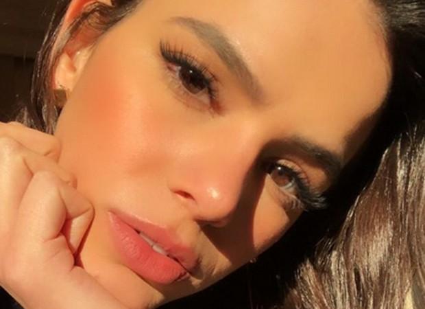 """Bruna Marquezine é adepta do alongamento de cílios """"fio a fio"""" (Foto: Reprodução/Instagram)"""