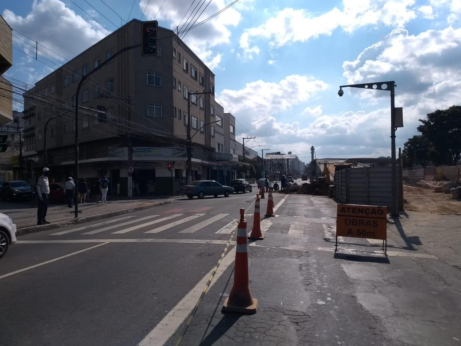 Trânsito é liberado na Avenida Francisco Bernardino em Juiz de Fora
