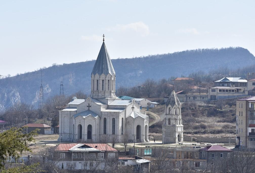 Igreja na cidade de Shushi (Shusha), no território de Nagorno-Karabakh — Foto: Ghazanchetsots Cathedral, Shushi, Artsakh, Armenia by hovo hanragitakan / CC BY 2.0
