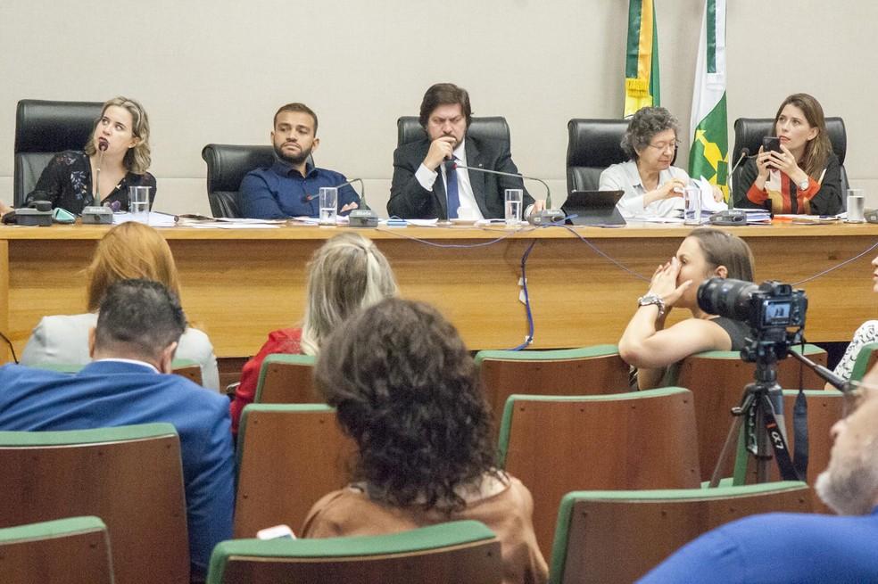 Sessão da CPI do Feminicídio na CLDF — Foto: Silvio Abdon/CLDF