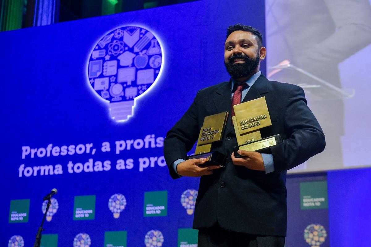 74cf917e52df0 Professor da rede municipal do RJ é escolhido o Educador do Ano   educação    Rede Globo