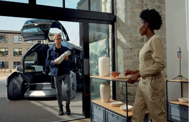 O autônomo Renault EZ-PRO terá opção concierge, com atendente humano para entregas premium (Foto: Divulgação)
