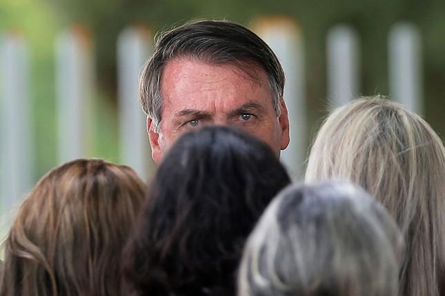 Que Bolsonaro não rasgue a fantasia de Jair, na ala dos seres vulgares e repulsivos.