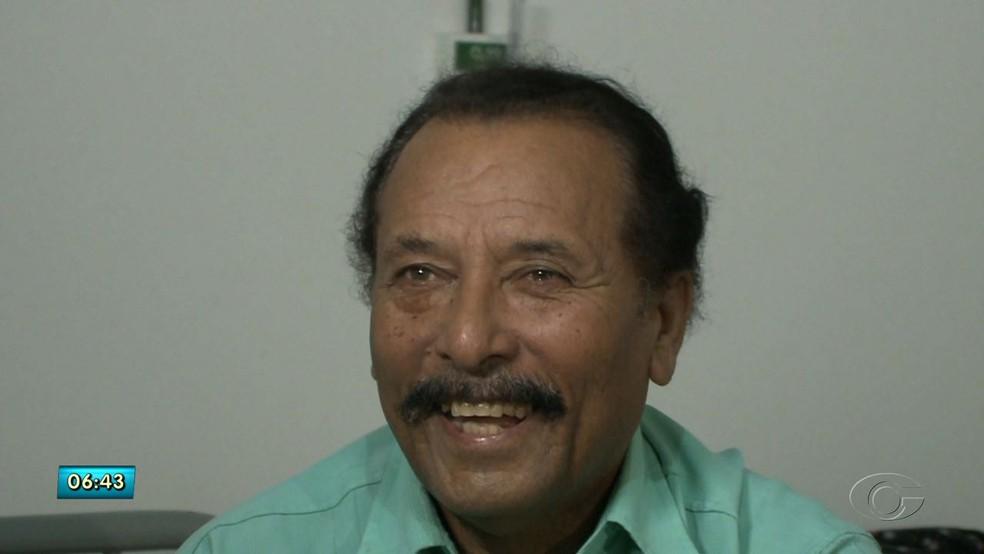 Antonio Teixeira ficou emocionado com o reencontro (Foto: Reprodução/TV Gazeta)