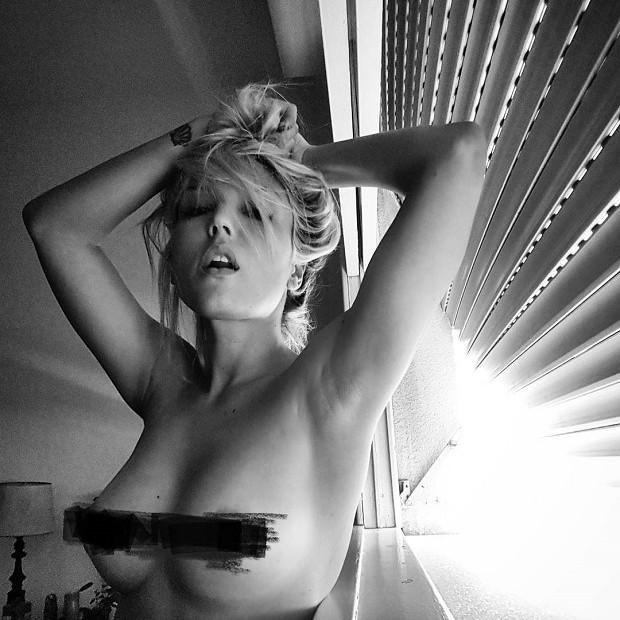 Resultado de imagem para Pietra Príncipe se desdobra na cama e ilumina a noite