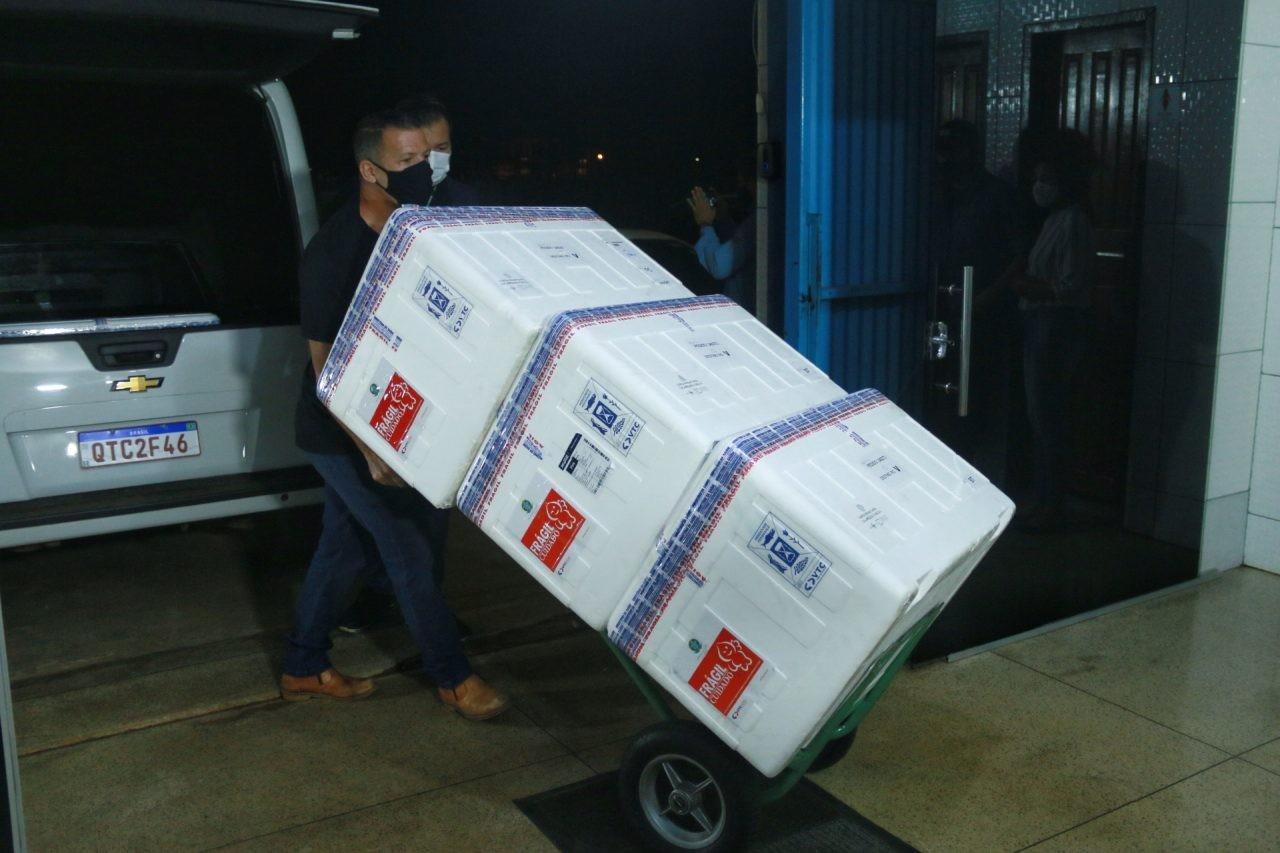 Rondônia recebe novo lote de vacinas contra a Covid-19 com mais de 40 mil doses