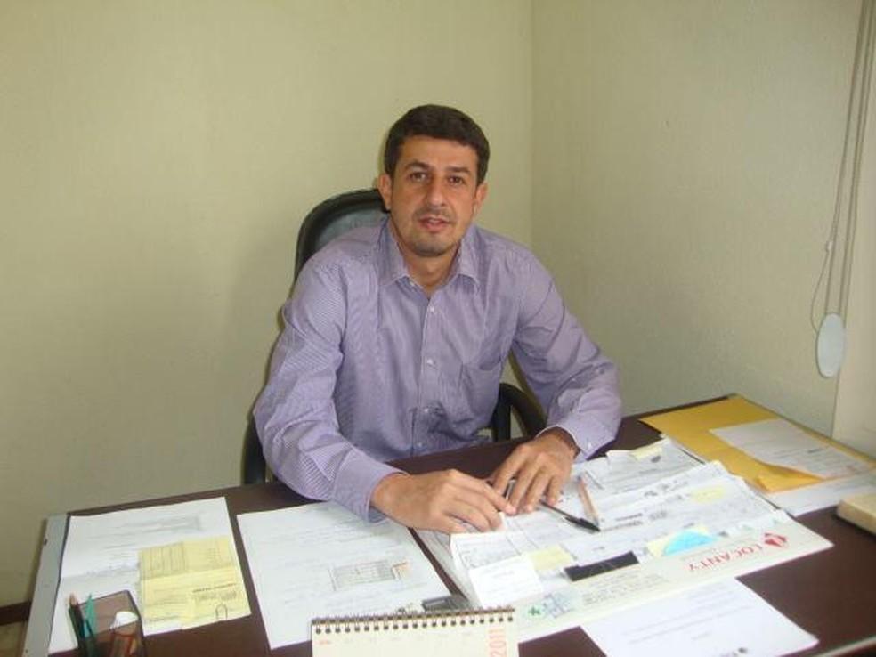 Adriano Serfiotis é filho de ex-prefeito de Porto Real e já foi secretario de Desenvolvimento Econômico, Trabalho e Renda do município — Foto: Divulgação
