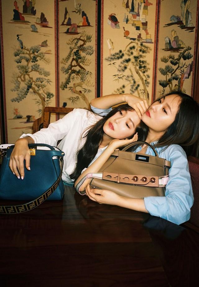 Jessica e Krystal Jung estrelam novo vídeo da campanha #MeandmyPeekaboo (Foto: Divulgação)