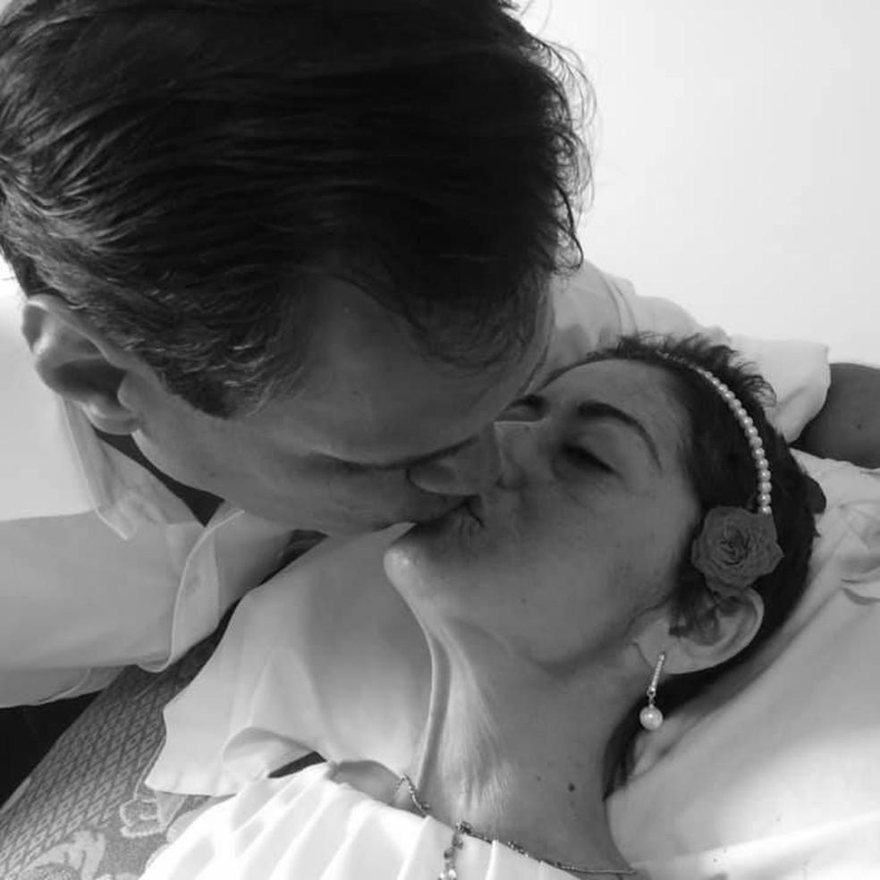Eliane e Junior se casaram em quarto de hospital — Foto: Arquivo Pessoal